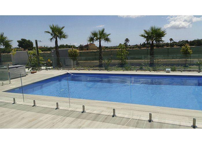 INSTALACIÓN EN PISCINA (Alicante) Poste piscina y balaustre